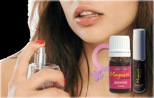 жена се пръска с феромонен парфюм и изпитва наслада от това, което ще последва